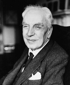 Arnold J. Toynbee e, circa 1960. (Photo by Hulton Archive/Getty Images)