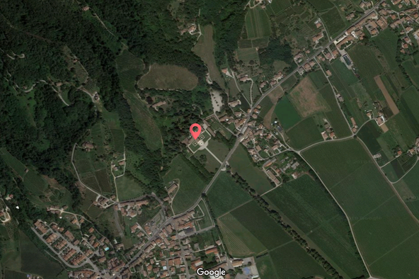 Satellite image of Villa Barbaro and its surroundings (Google Maps).